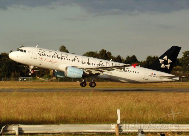 Airbus A320 (OE-LBX)