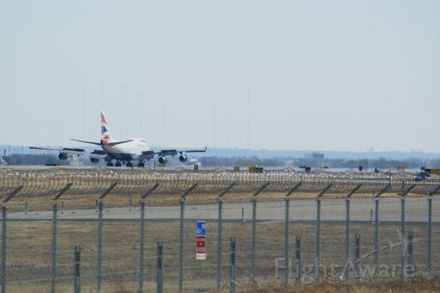 Boeing 747-400 (G-BNLL) - Heat waves across the runways at KDFW. British Airways 744 on the left.