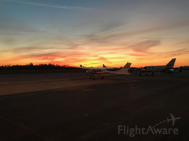 — — - March 22 2018 sunset at F45 (North Palm Beach County Airport, Florida)