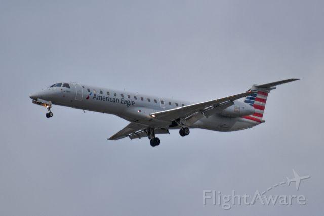 Embraer ERJ-145 (N609DP)