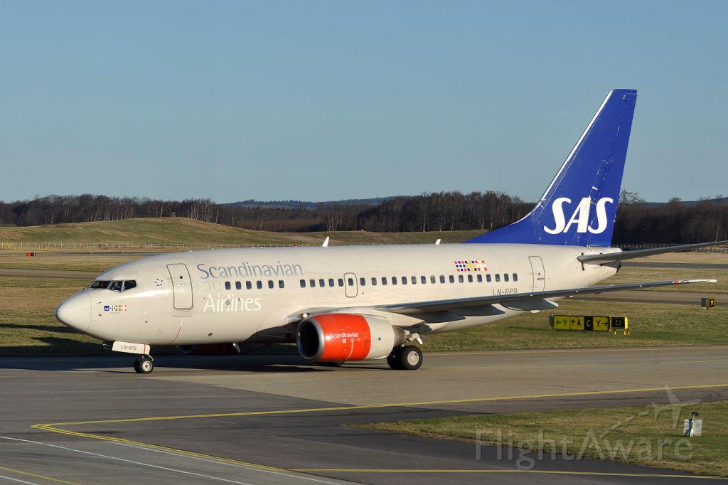 BOEING 737-600 (LN-RPB)