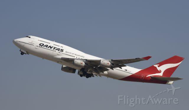 Boeing 747-400 (VH-OJT) - Departing LAX