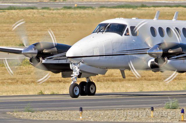 Beechcraft Super King Air 200 (N277GE) - Beech B200, Beechcraft Super King Air 200 at Livermore Municipal Airport, CA. August 2021