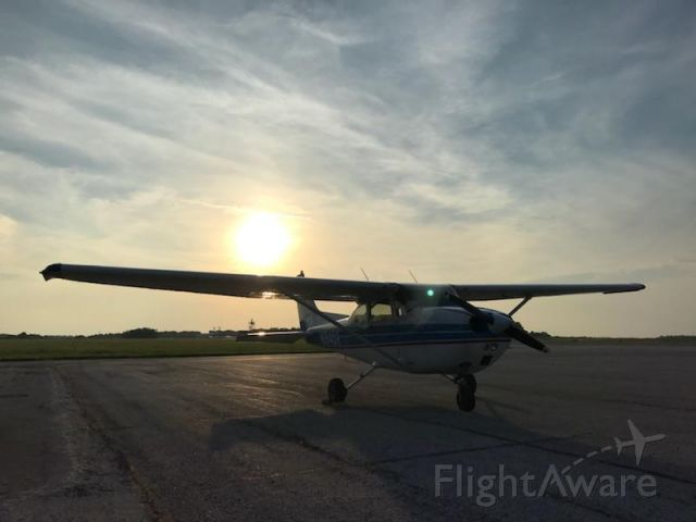Cessna Skyhawk (N1845V)