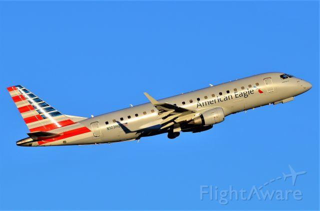 Embraer ERJ 175 (N103HQ)