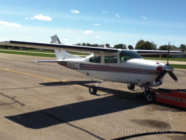 Cessna Centurion (N210MK) - At the pumps.