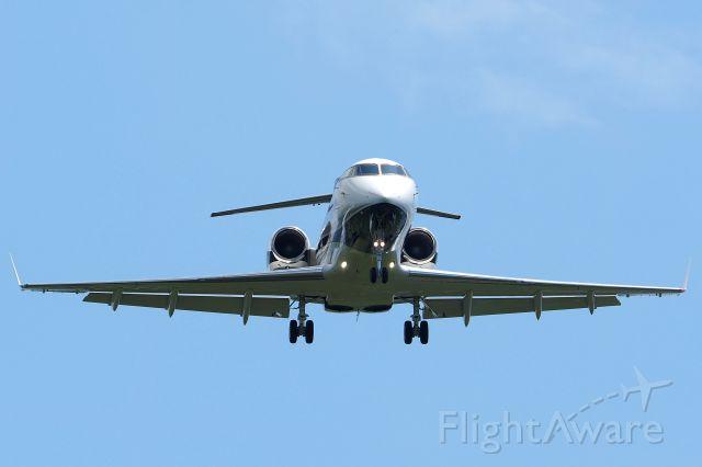 Bombardier Challenger 300 (C-GFHR) - hakodate airport hokkaido japan