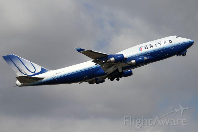 Boeing 747-400 (N120UA) - 24 NOV 2012