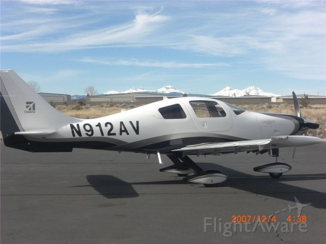 Cessna 350 (N912AV) - Cessna 400
