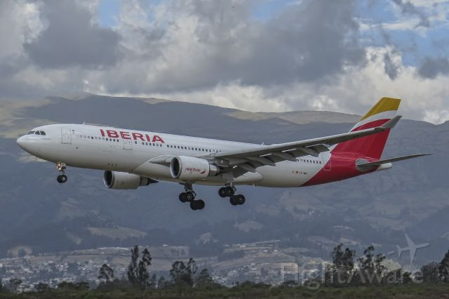 Airbus A330-200 (EC-MKI) - First visit of Iberias A332 to Quito.