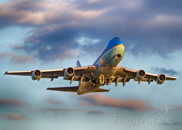 Boeing 747-200 (28000) - AF1 departing Ottawa on June 29, 2016