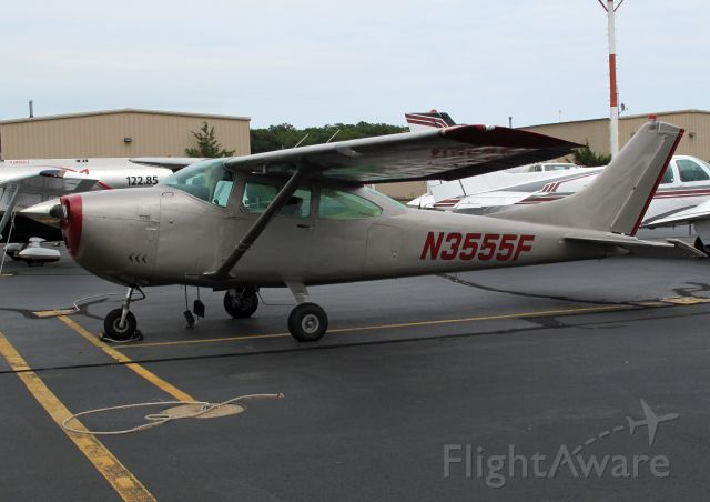 Cessna Skylane (N3555F)
