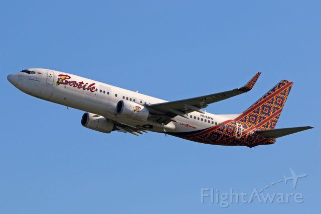 Boeing 737-800 (PK-LBW)
