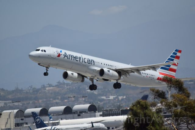 Airbus A321 (N535UW) - American Airlines takeoff from KLAX