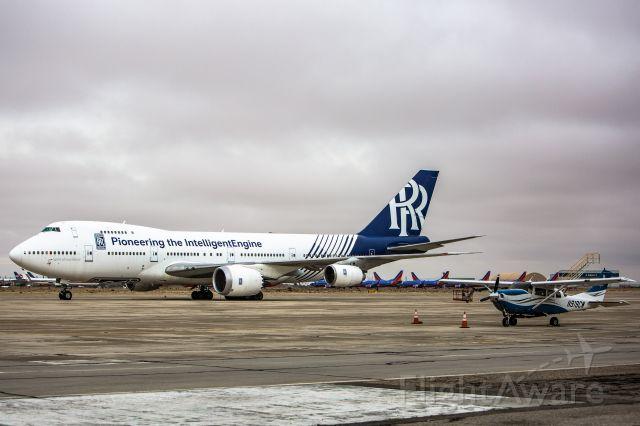 Boeing 747-200 (N787RR)