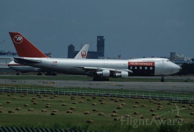 Boeing 747-200 (N629US) - Departure at Narita Intl Airport Rwy16 on 1990/06/24