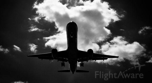 — — - Landing at HSV copyright Blake Mathis