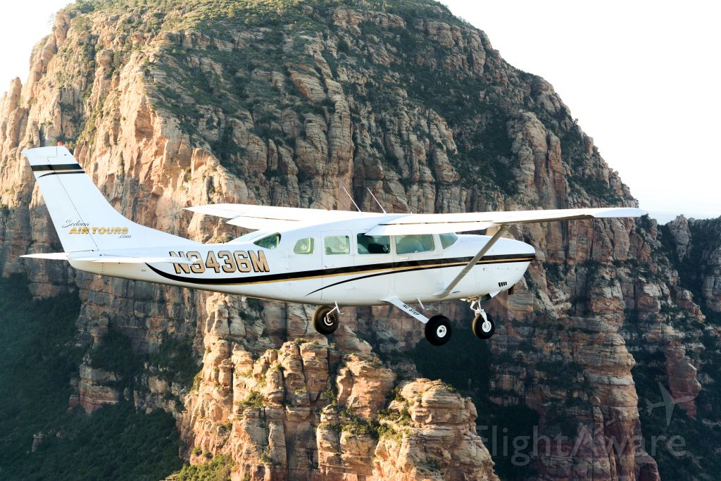 Cessna T207 Turbo Stationair 8 (N9436M) - Sedona Air Tours C207A flying the Red Rocks of Sedona, AZ.