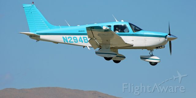 Piper Dakota / Pathfinder (N294BJ) - A Piper Dakota (N294BJ) is snapped here as it covers the final four hundred feet of a midafternoon approach to Yerington (Nevada) Municipal.