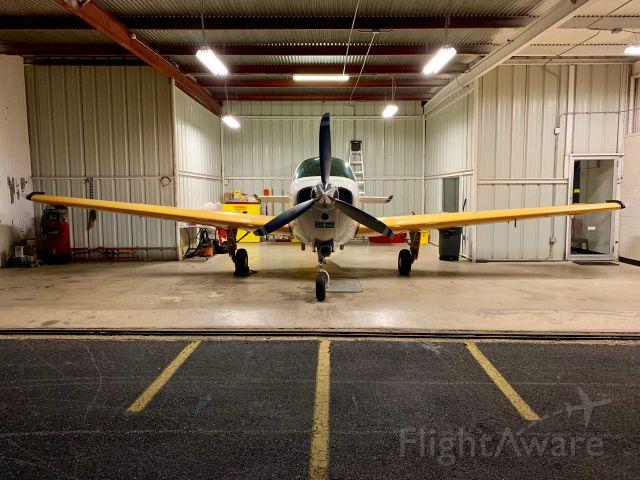 Beechcraft Bonanza (33) (N9590Y)