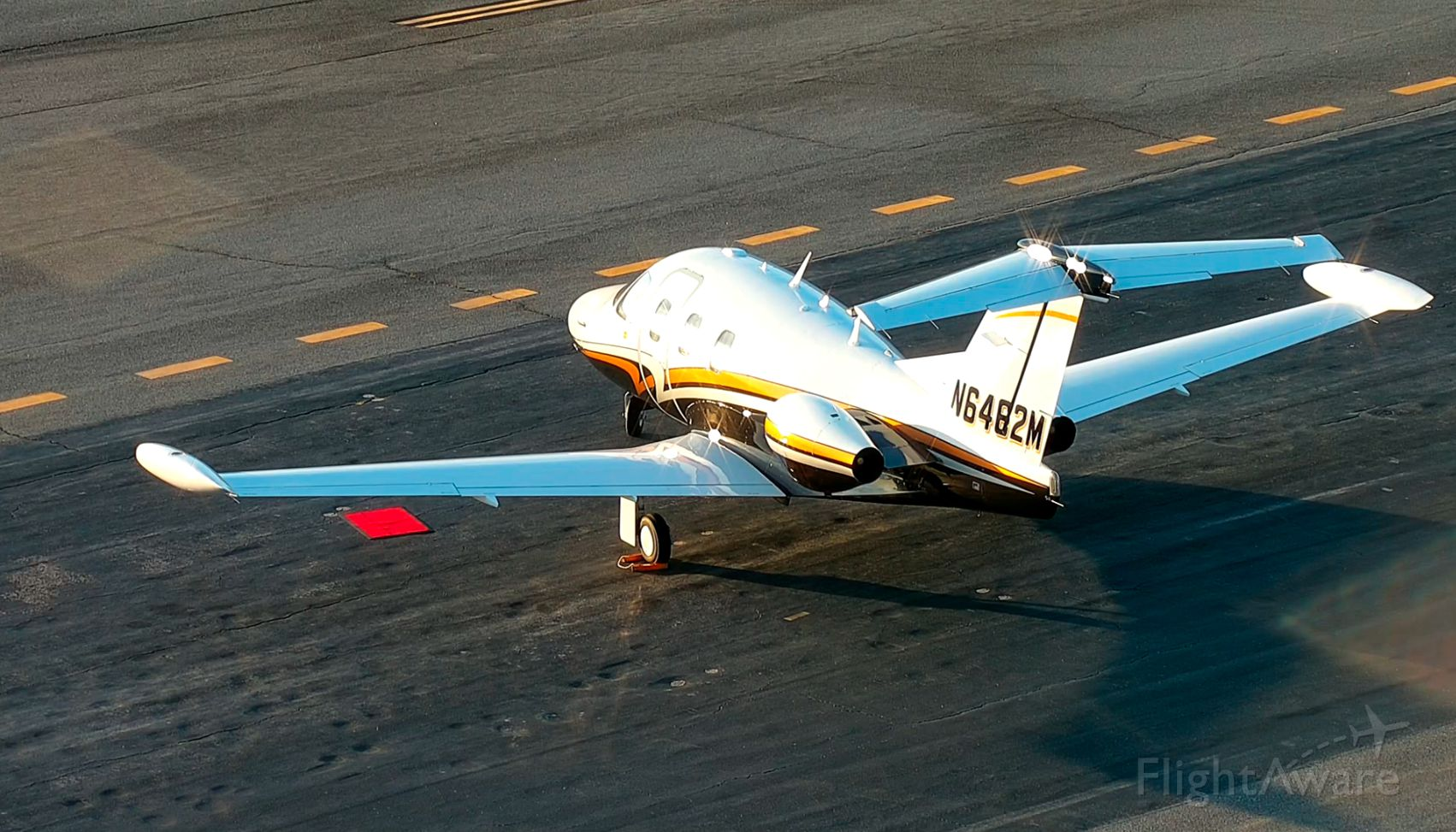 Eclipse 500 (N6462M) - Finally have an Eclipse 500 based out of KVLD. Beautiful jet!