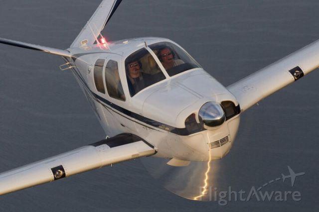 Beechcraft 35 Bonanza (N3214C)