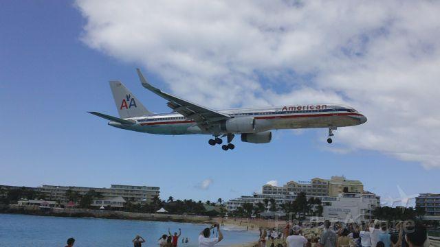 Boeing 757-200 — - American Airlines flight 667