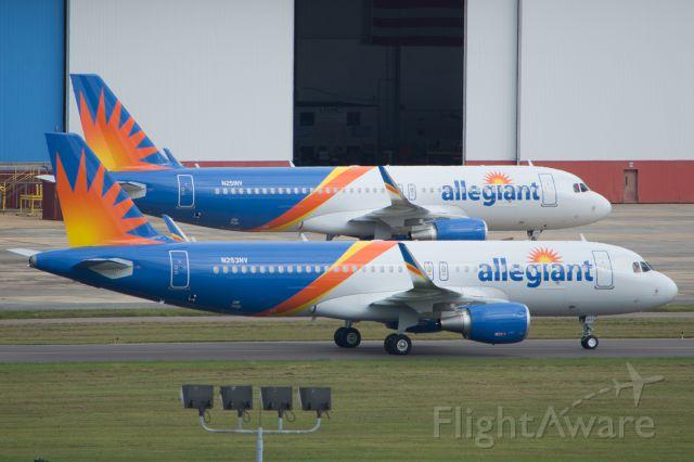 Airbus A320 (N251NV)