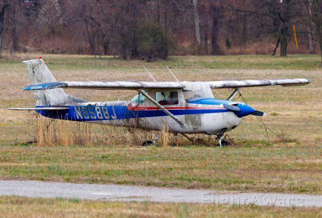 Cessna Commuter (N8588J)