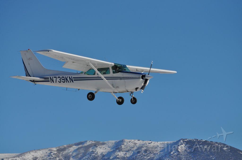 Cessna Skyhawk (N739KN)