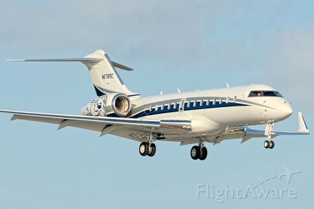 Canadair Challenger (N678RC) - Hombardier BD-700 (Global Express)