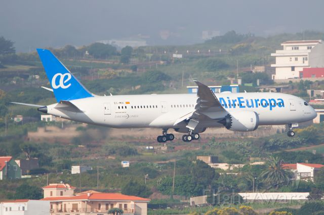 Boeing 787-8 (EC-MIH) - Tenerife North Airportbr /22/06/2016br /First visit to TFNbr /br /from Santo Domingo to Madrid Barajasbr /stopover in Tenerife North