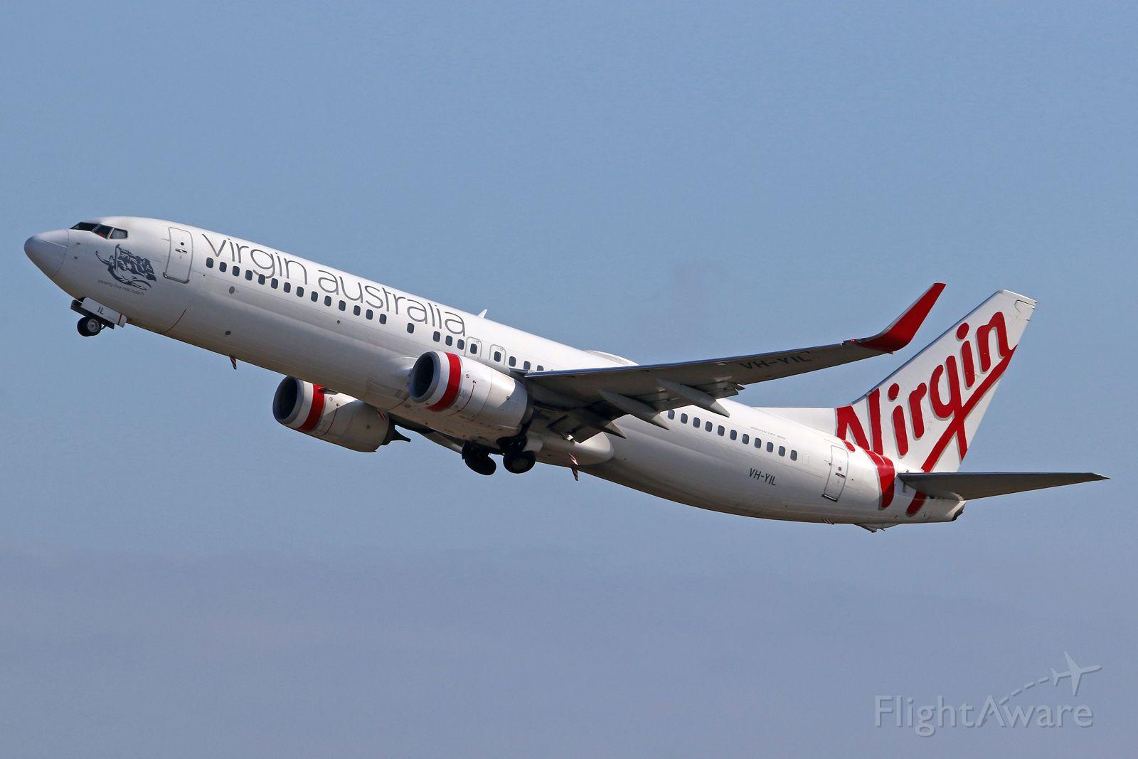 Boeing 737-800 (VH-YIL)