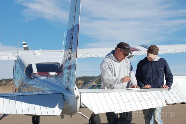 Cessna 205 (N8204Z) - Logging the Flight