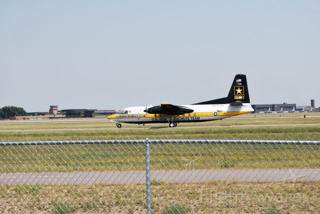 — — - us army golden knights aircraft
