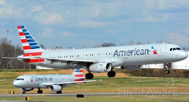 Airbus A321 (N568UW) - 3/13/16