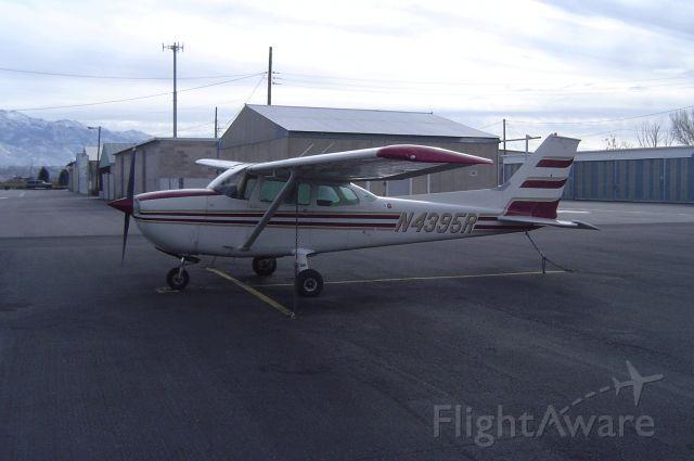 Cessna Skyhawk (N4395R)