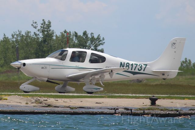 Cirrus SR-20 (N81737) - First photo of this aircraft