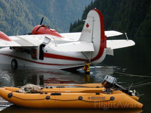 Grumman Goose (C-GYVG) - Goose C-GYVG at Long Lake BC Thanksgiving 2002