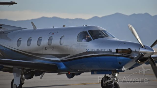 Pilatus PC-12 (N842WF) - Boutique Air taxiing to the ramp at Albuquerque International Sunport