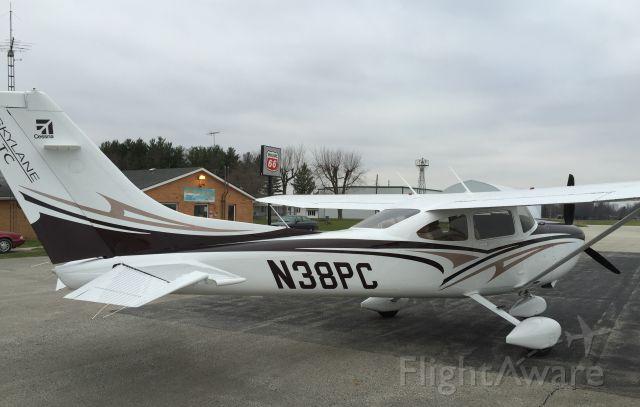 Cessna Skylane — - HOME BASE