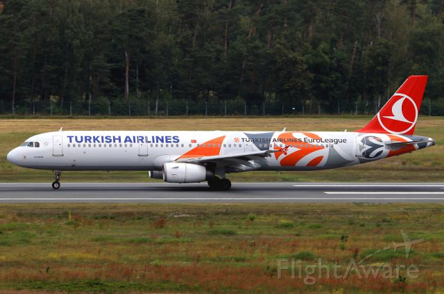 Airbus A321 (TC-JRO)