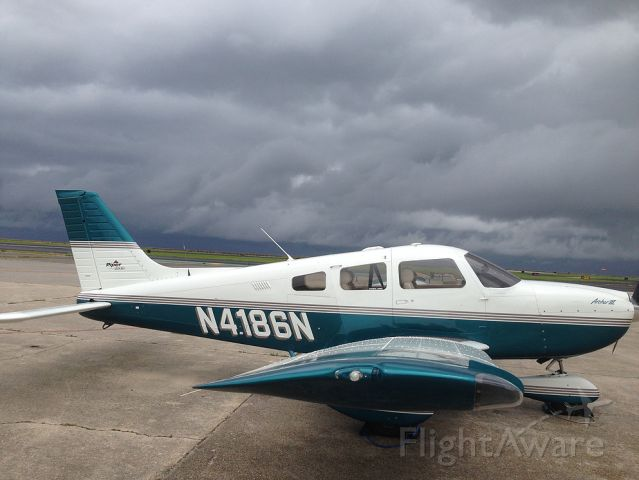 Piper Cherokee (N4186N)