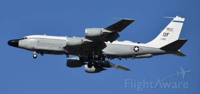 Boeing RC-135 (62-4132) - RC-135 62-4132 2 miles out from runway 31 at Ellsworth AFB, SD