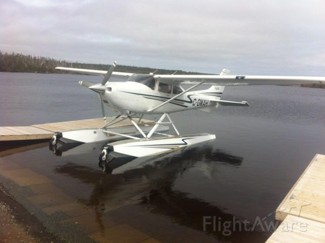 Cessna Skylane (C-GMAH) - Paddys Pond Sea Plane Base