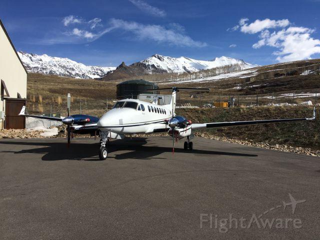 Beechcraft Super King Air 350 (N999MG)