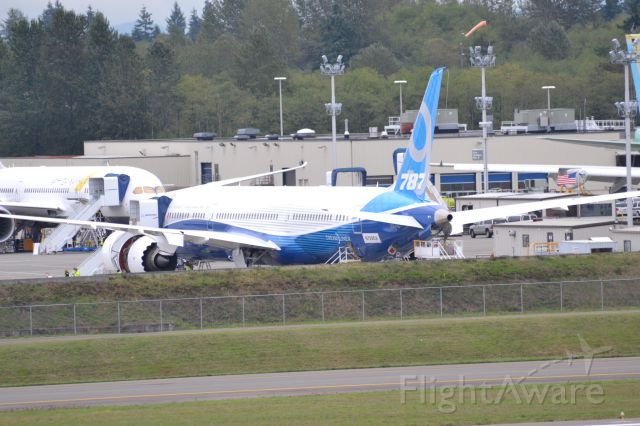 Boeing 787-9 Dreamliner (N789EX) - The 787-9 the day before it