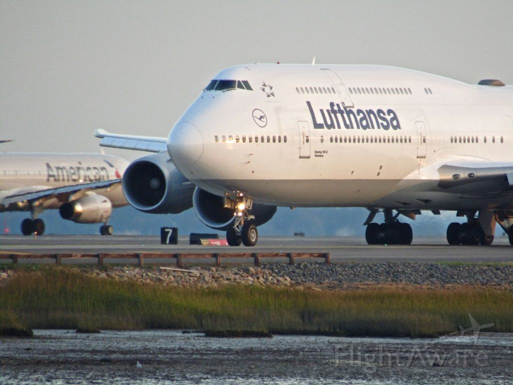 BOEING 747-8 (D-ABYJ) - (10/9/2018)