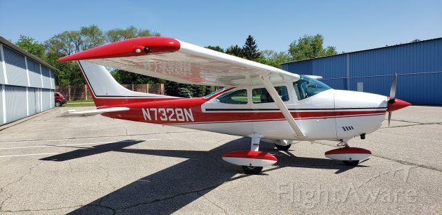 """Cessna Skylane (N7328N) - 1974 model """"P"""""""