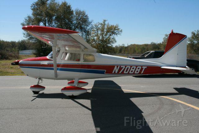 Cessna Skyhawk (N7088T) - 1959 C-172